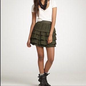 EXCELLENT - 100% silk J. Crew ruffled skirt
